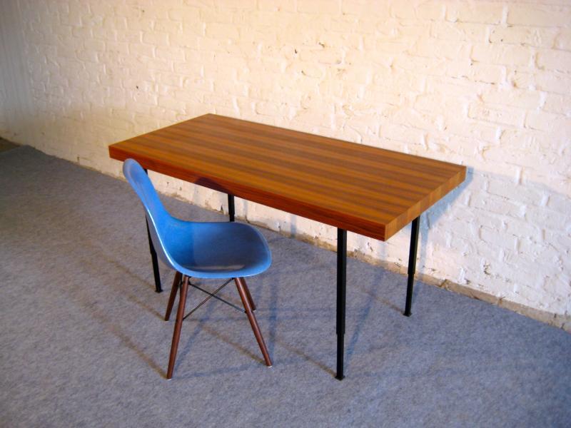 schlichter mid century tisch schreibtisch arbeitstisch top 50er jahre berlin ebay. Black Bedroom Furniture Sets. Home Design Ideas