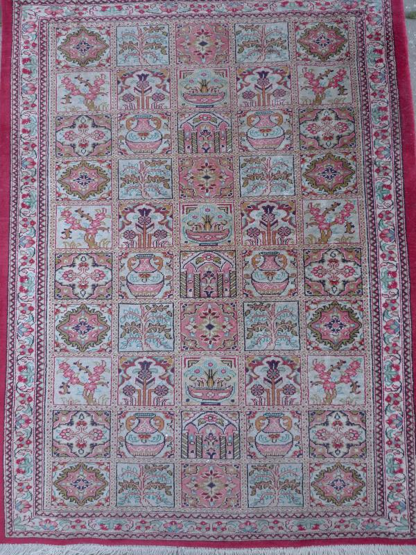 Bonito antiguo alfombra de seda alfombra oriental seda for Alfombras orientales antiguas