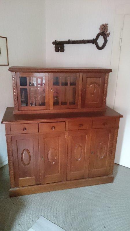 antiker eckschreibtisch mit aufsatz und passendem schrank. Black Bedroom Furniture Sets. Home Design Ideas