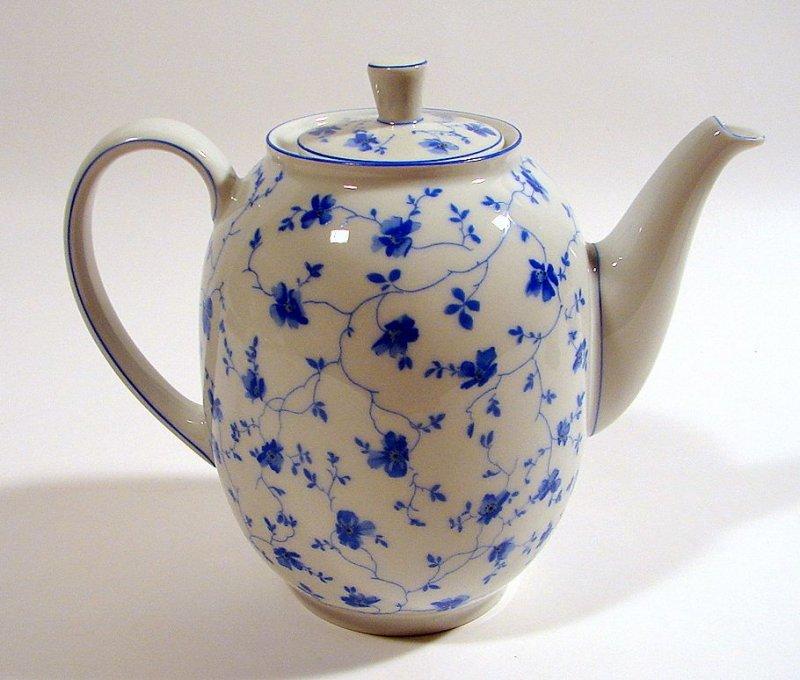 kaffeekanne 1 3 l arzberg porzellan selb bavaria blaubl te h gretsch form 1382 ebay. Black Bedroom Furniture Sets. Home Design Ideas