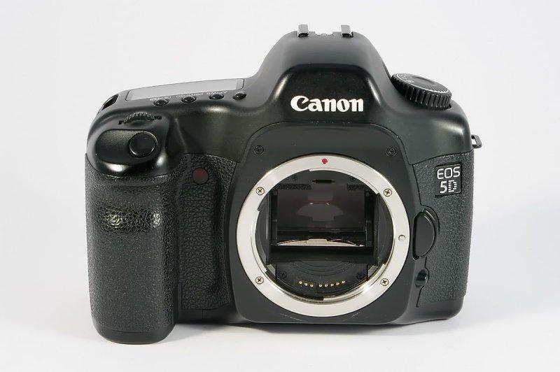 canon eos 5d vollformat digitale spiegelreflex canon ef bajonett 17mp0096b. Black Bedroom Furniture Sets. Home Design Ideas