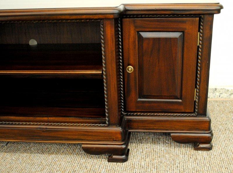 grosser tv schrank buffet sideboard massiv mahagoni. Black Bedroom Furniture Sets. Home Design Ideas