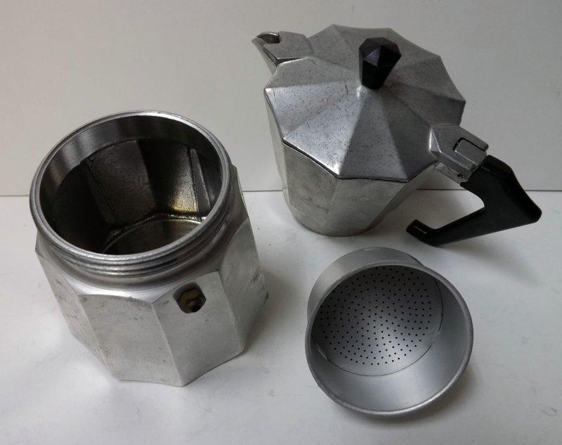 espresso maker kaffeemaschine alter espressokocher italy alu f r kochplatte. Black Bedroom Furniture Sets. Home Design Ideas