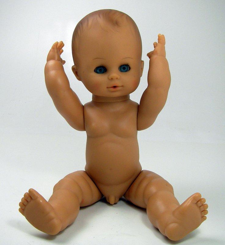 Goo Goo Puppe nackt