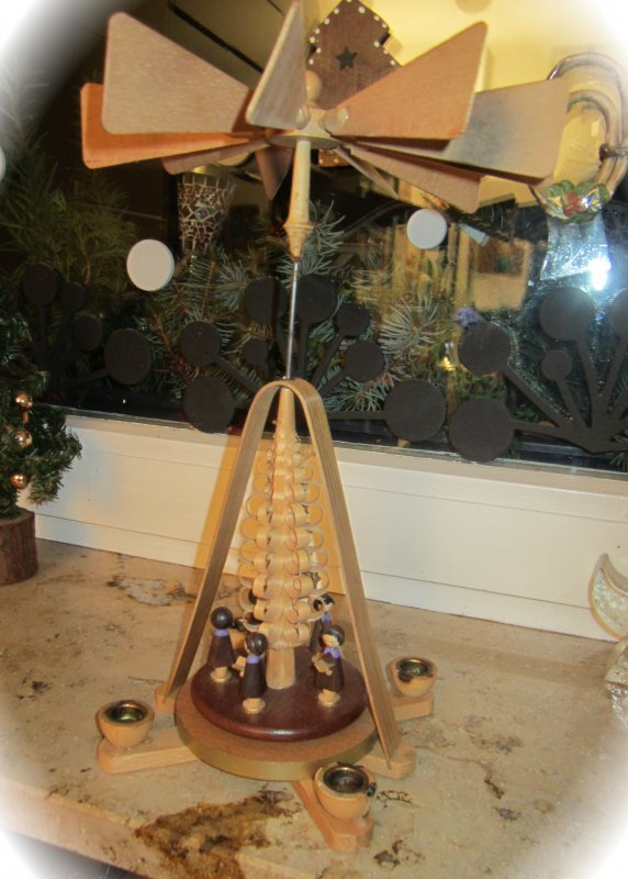 vintage weihnachts pyramide aus holz sternsinger erzgebirge wundersch n ebay. Black Bedroom Furniture Sets. Home Design Ideas