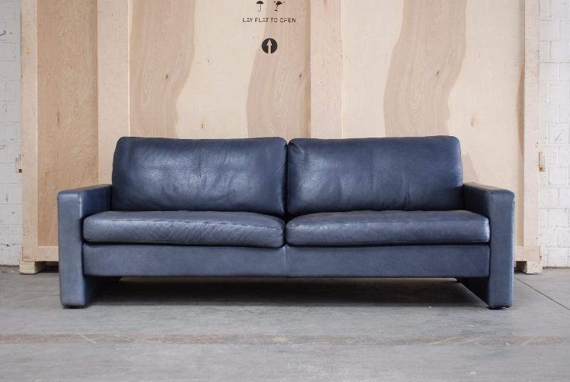 cor conseta ledersofa sofa dunkelblau leder. Black Bedroom Furniture Sets. Home Design Ideas