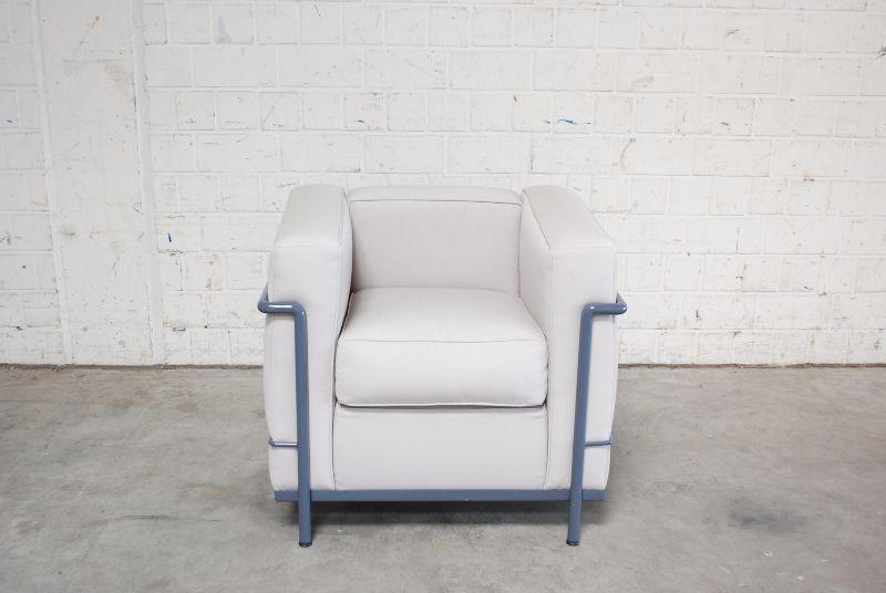 cassina lc2 sessel stoff le corbusier ausstellungsst ck. Black Bedroom Furniture Sets. Home Design Ideas