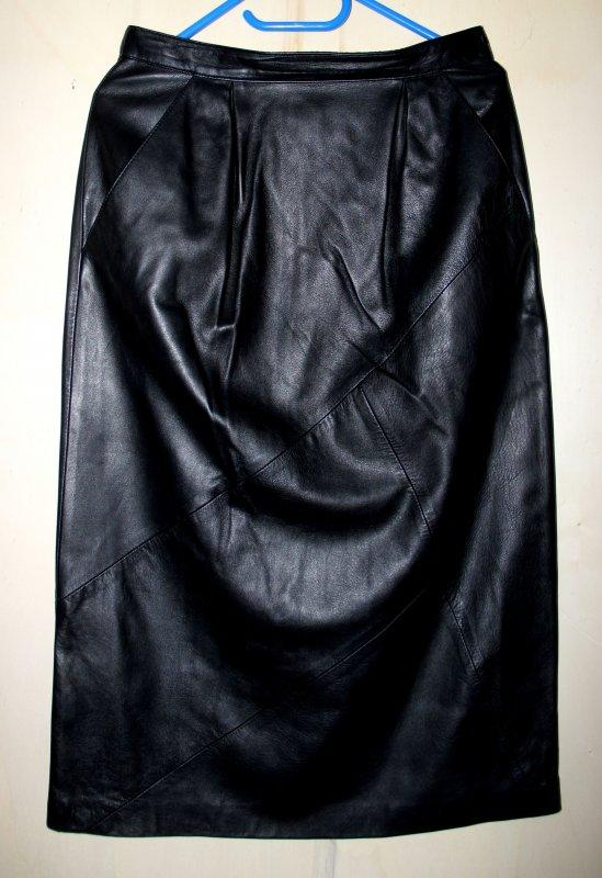 langer damen lederrock echtleder schwarz getragen. Black Bedroom Furniture Sets. Home Design Ideas