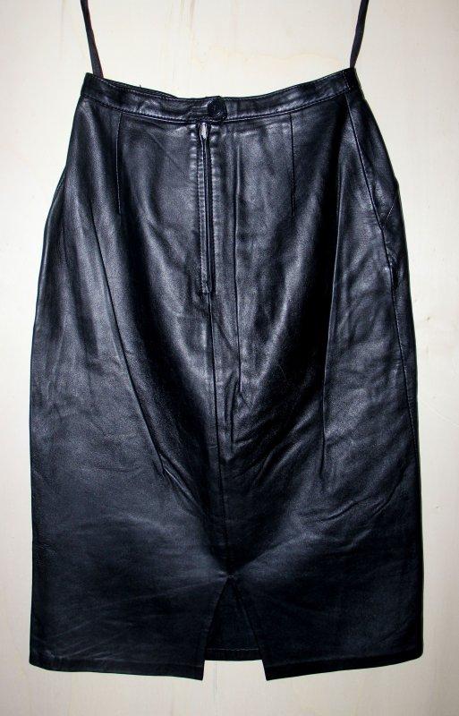 sehr sch ner damen lederrock echtleder schwarz getragen. Black Bedroom Furniture Sets. Home Design Ideas