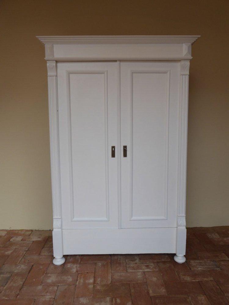 sch ner jugendstil kleiderschrank dielenschrank 191cm hoch shabby landhaus. Black Bedroom Furniture Sets. Home Design Ideas