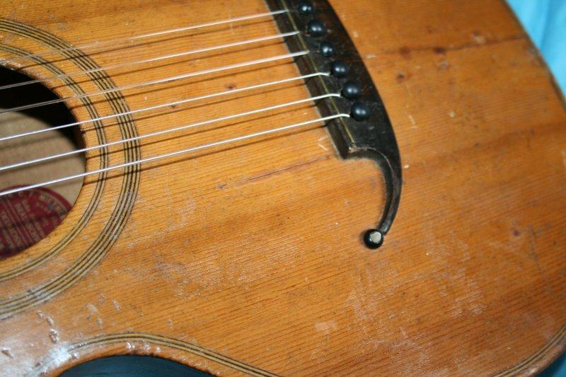 alte kleine gitarre spielbereit handarbeit f miethers braunschweig ebay. Black Bedroom Furniture Sets. Home Design Ideas