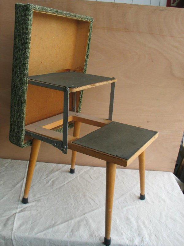 hocker zum klappen mit leiter innen integriert 50er jahre klapphocker. Black Bedroom Furniture Sets. Home Design Ideas