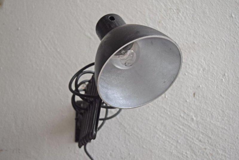 Scherenlampe werkstattlampe architektenlampe antik alt for Schreibtischplatte schwarz
