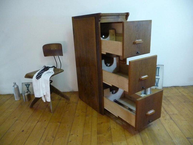 Schubladenschrank antik b roschrank aktenschrank kontor for Schrank aus pappe
