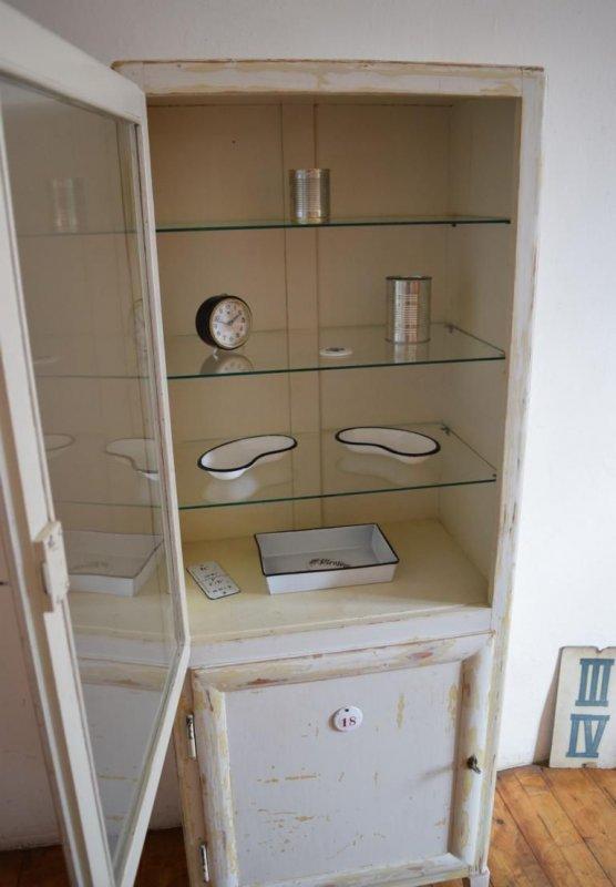 arztschrank holz alt antik medizinschrank apothekerschrank art deco shabby wei ebay. Black Bedroom Furniture Sets. Home Design Ideas