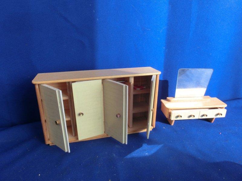 F1289 alt puppenstube m bel schlafzimmer kleiderschrank ca 24x5 5x14 cm ebay - Schlafzimmer bei ebay ...