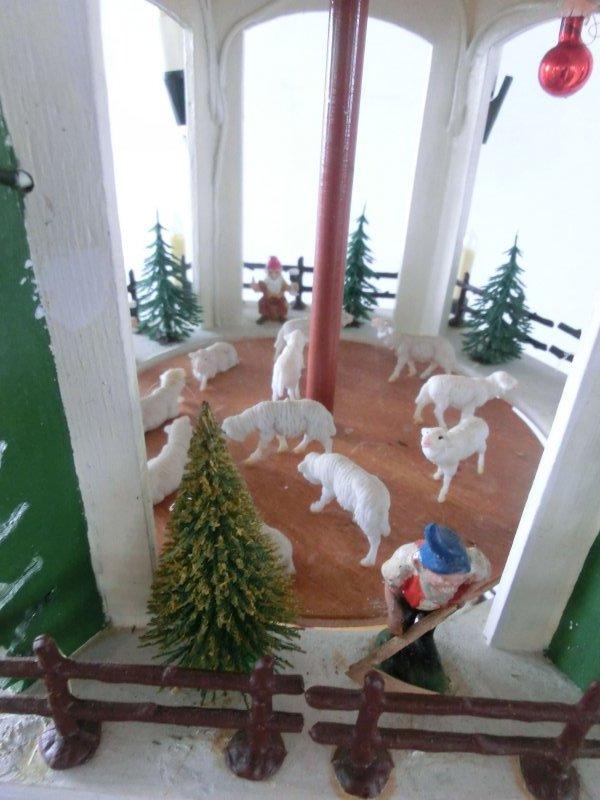 h1027 alt erzgebirge volkskunst weihnachten pyramide. Black Bedroom Furniture Sets. Home Design Ideas