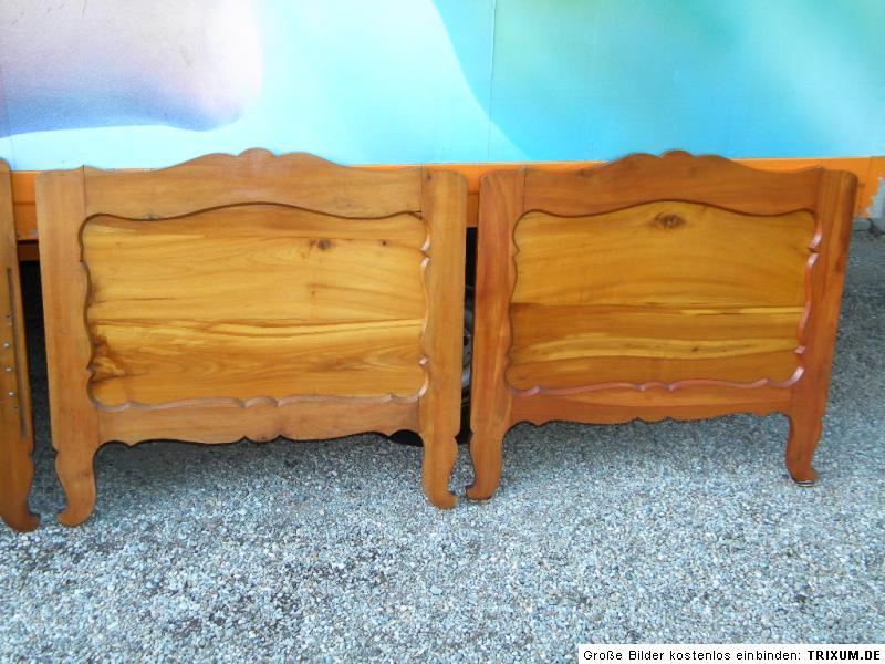 2x sp t biedermeier bett in massiver kirsche. Black Bedroom Furniture Sets. Home Design Ideas