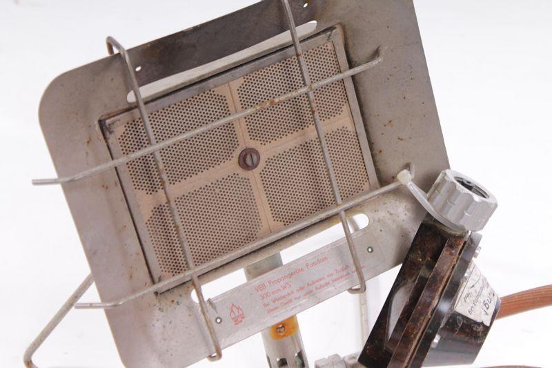 ancien rda gaz chauffage par rayonnement projecteur sur tr pied lampe d co. Black Bedroom Furniture Sets. Home Design Ideas