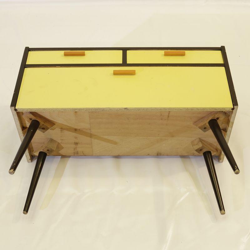 sch ner alter schuhschrank flur garderobe schrank. Black Bedroom Furniture Sets. Home Design Ideas
