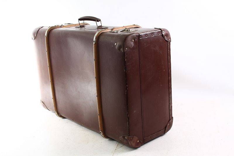 sch ner alter koffer hartplatte mit holzbeschlag. Black Bedroom Furniture Sets. Home Design Ideas