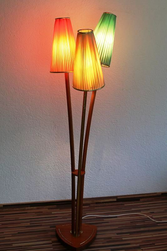 alte stehlampe leuchte wohnzimmer bunt t tenlampe vintage retro kult lampe ebay. Black Bedroom Furniture Sets. Home Design Ideas