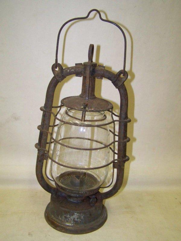 bonjour vendre est une vieille lampe p trole ici hauteur 36cm se il vous pla t clarifier. Black Bedroom Furniture Sets. Home Design Ideas