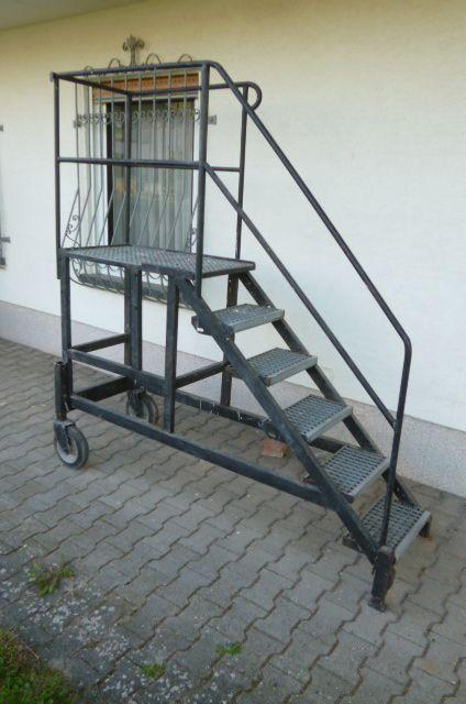 fahrbares ger st treppengestell treppe stufengestell. Black Bedroom Furniture Sets. Home Design Ideas