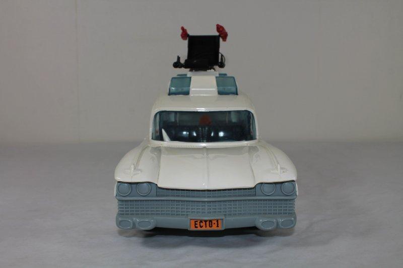 ecto 1 einsatzfahrzeug 1986 ghostbusters komplett ebay. Black Bedroom Furniture Sets. Home Design Ideas