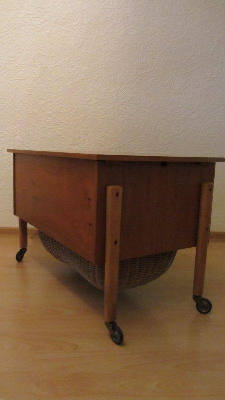n htisch n h k stchen beistell tisch rollen d nemark holz vintage strick wolle ebay. Black Bedroom Furniture Sets. Home Design Ideas