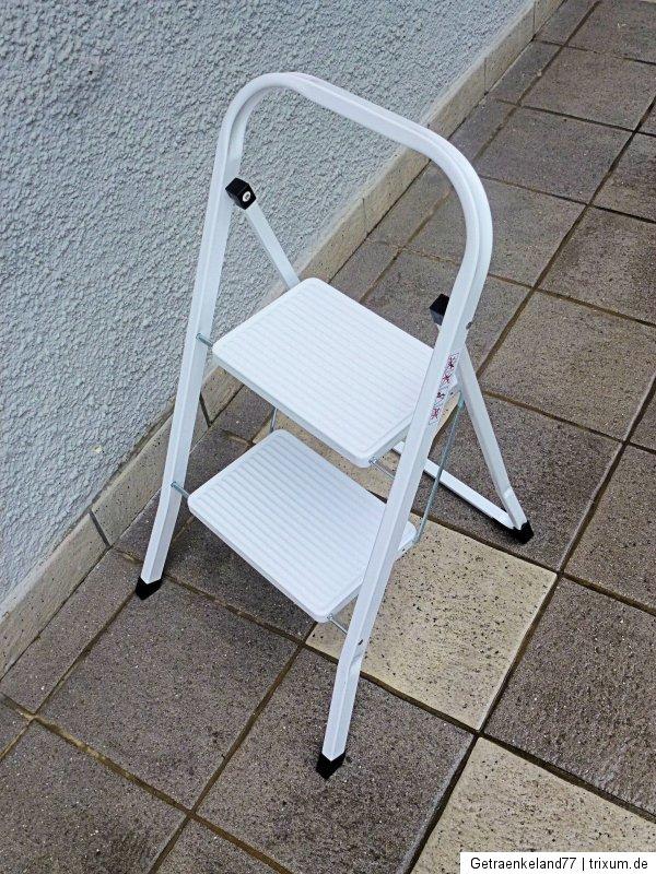 klapptritt leiter 2 stufig mit sicherheitsb gel maximal tragkraft 150 kg ebay. Black Bedroom Furniture Sets. Home Design Ideas