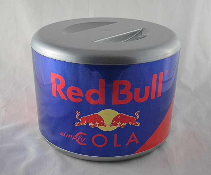 original red bull cola eisw rfelbeh lter eisw rfeleimer. Black Bedroom Furniture Sets. Home Design Ideas