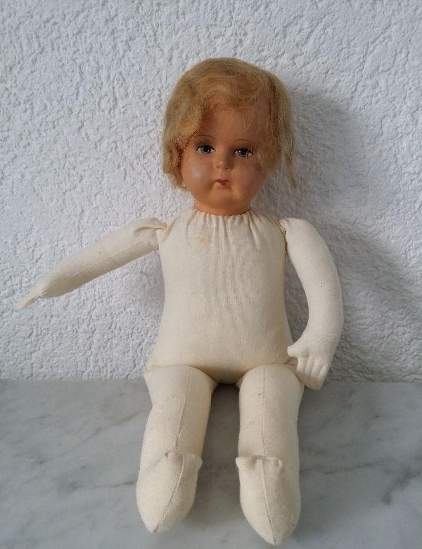 alte puppe wurfpuppe babypuppe m dchenpuppe pappmache weich gestopft baby doll ebay. Black Bedroom Furniture Sets. Home Design Ideas
