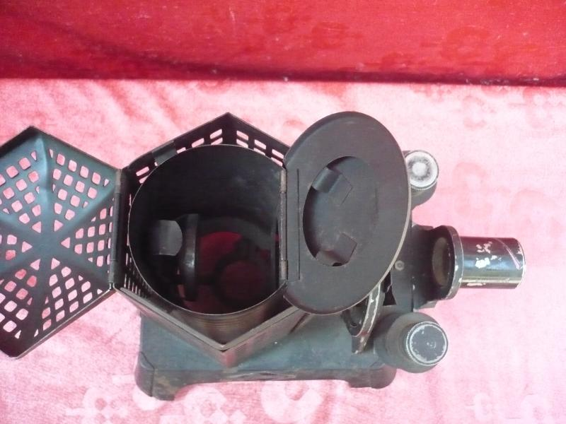 Antico proiettore macchina automatica fototessere for Scivolo in ferro usato