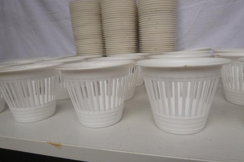 124 x alter blumentopf bertopf kunststoff plastik weiss for Blumentopf plastik