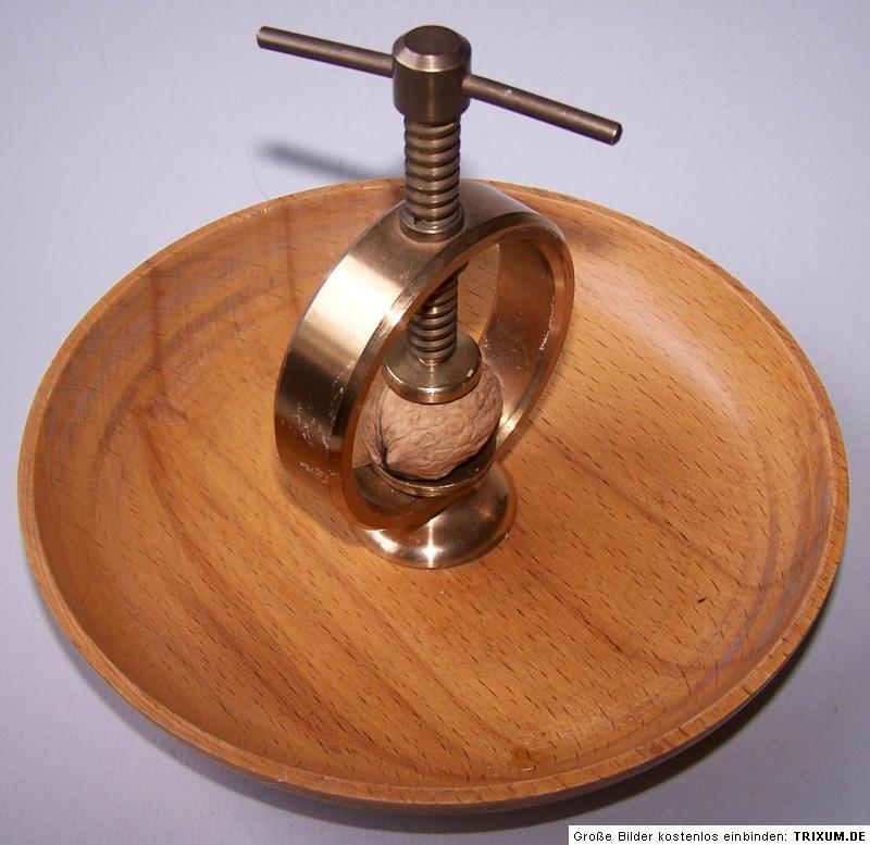 antiker nussknacker holz messing um 1930 nutcracker ebay. Black Bedroom Furniture Sets. Home Design Ideas
