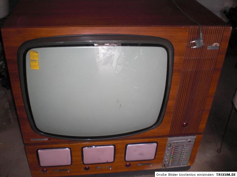 nordmende spectra color studio fernseher 4 bildschirme r hrenger t crt tv ca1970 ebay. Black Bedroom Furniture Sets. Home Design Ideas