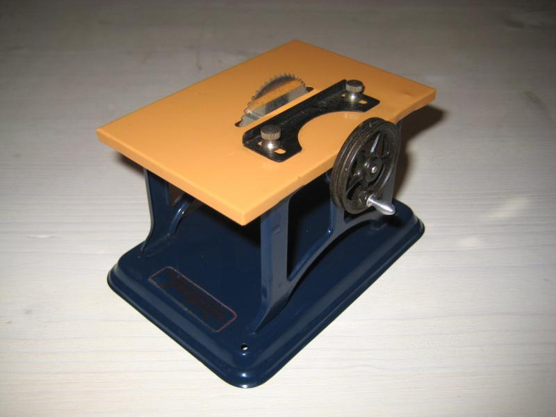 alte tisch kreiss ge fleischmann f r dampfmaschine antriebsmodell blechspielzeug ebay. Black Bedroom Furniture Sets. Home Design Ideas
