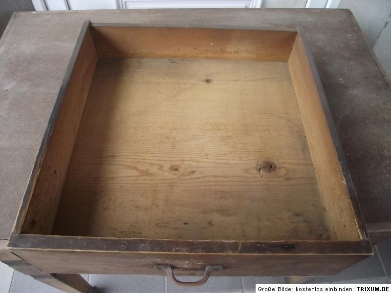 alter antiker tisch esstisch k chentisch weichholztisch. Black Bedroom Furniture Sets. Home Design Ideas