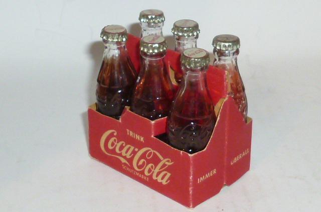 alte coca cola flaschen tr ger coca cola coke flaschentr ger werbung kaufladen ebay. Black Bedroom Furniture Sets. Home Design Ideas