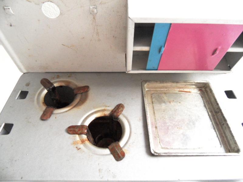 puppenherd blech mit h ngeschrank 2 kochplatten von efz alter unbekannt ebay. Black Bedroom Furniture Sets. Home Design Ideas