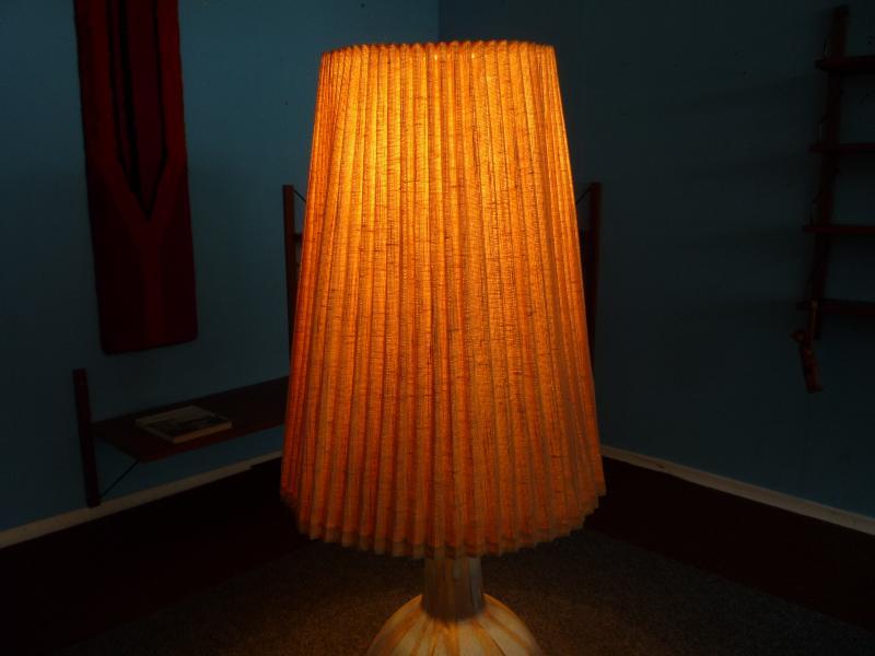sch ne karlsruher majolika xxl bodenlampe keramik 60er. Black Bedroom Furniture Sets. Home Design Ideas
