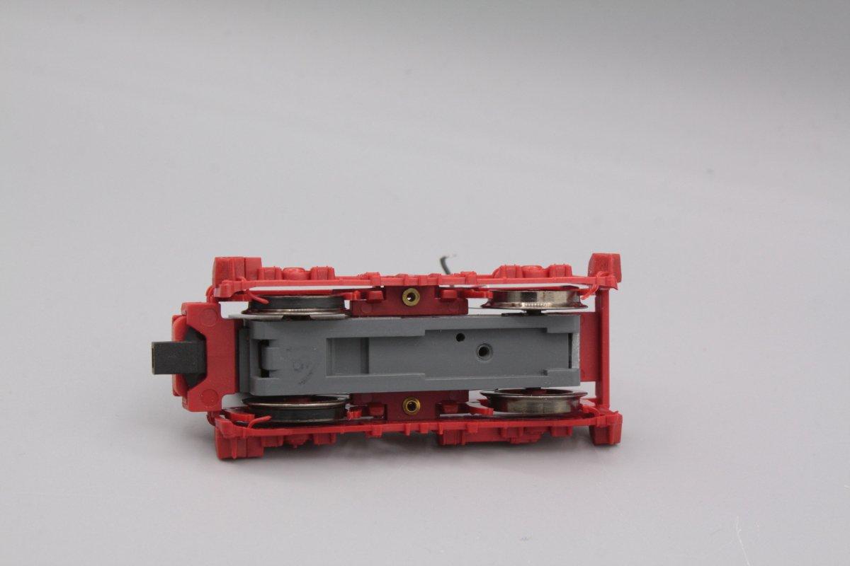 Ersatzteil Piko 211/ 242/ E11/ E42 Drehgestell rot - eine angetriebene Achse