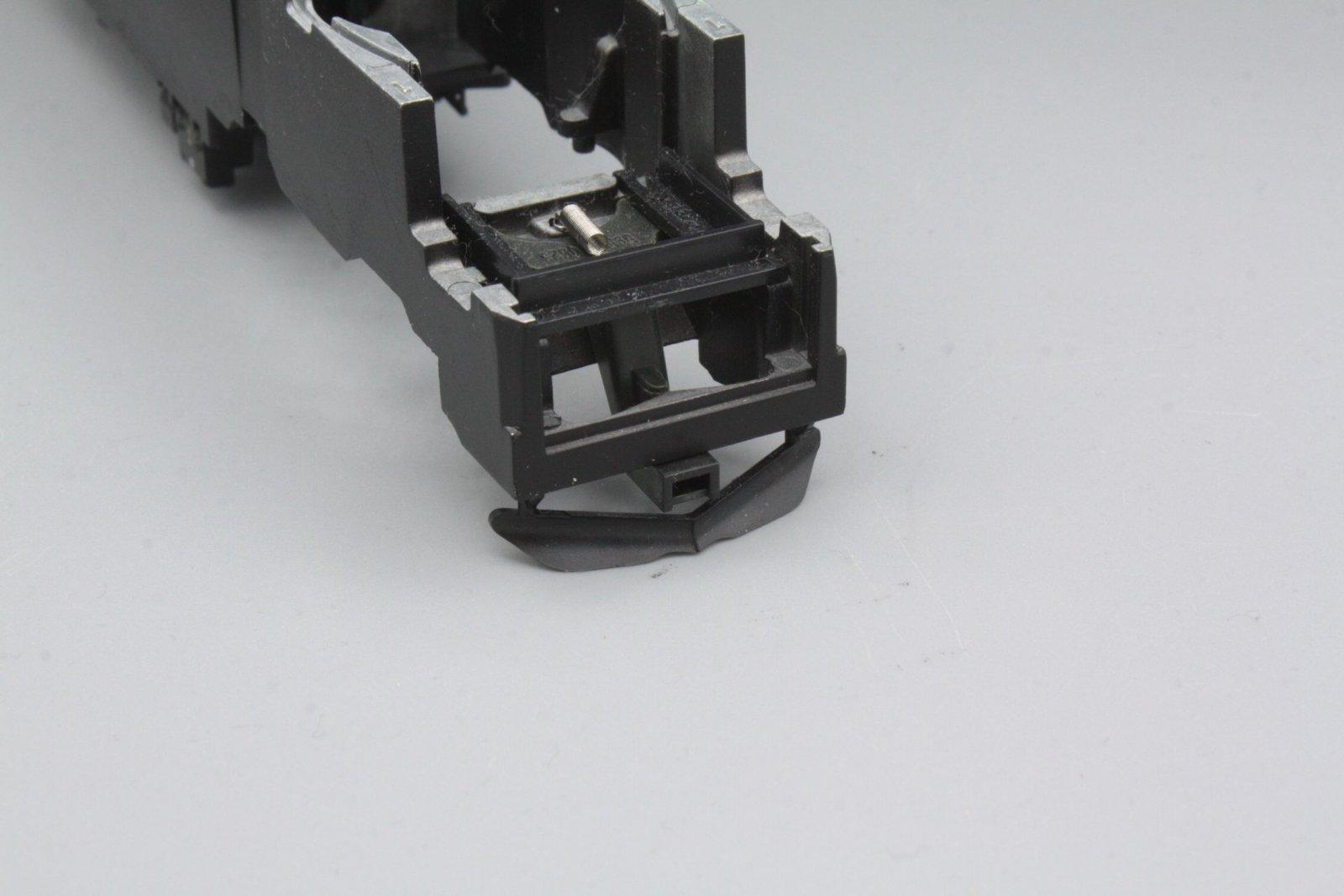 Ersatzteil Piko 185.2 / 146.2  Rahmen schwarz mit KK-Kulissen + Schienenräumer