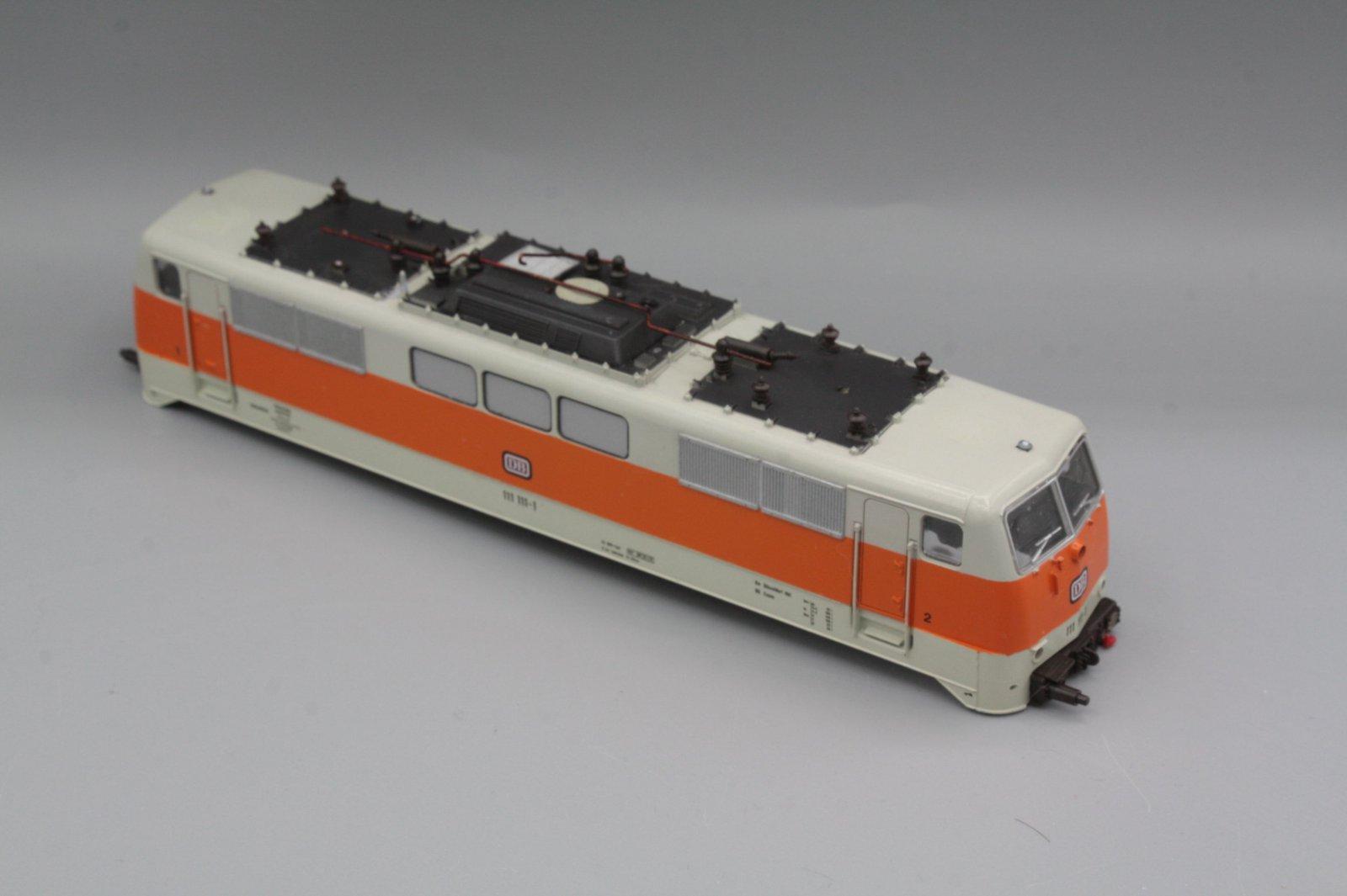 Ersatzteil Roco 111 111-1 Gehäuse Orange/grau mit Fehlern (S-Bahnfarben)