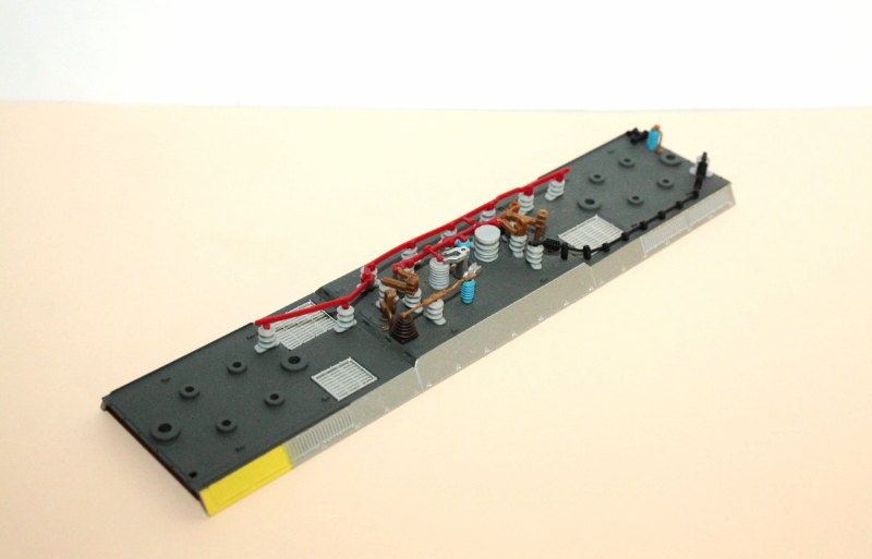 Ersatzteil Piko 189 Dach mit gelb/silbernem Rand + Dachleitungen