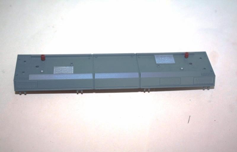 Ersatzteil Piko BR 101 Dach unvollständig - Isolatoren fehlen teilweise