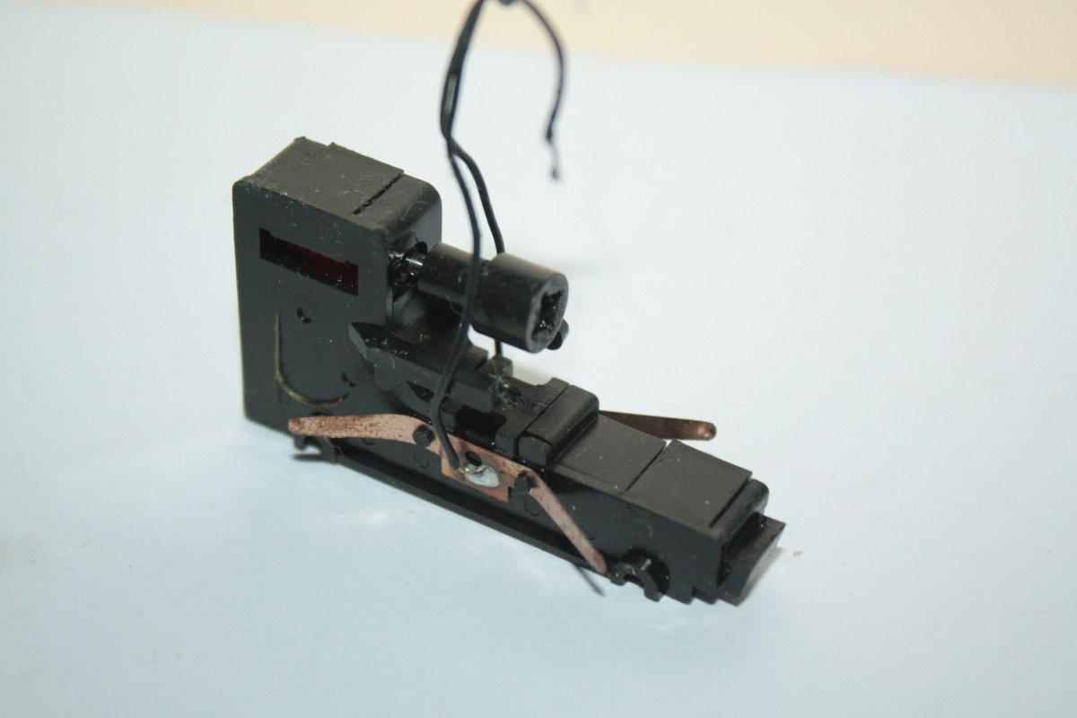 Ersatzteil Roco 215 / 218 Getriebe mittige Zahnräder schrägverz. rot/weiß Var. 2