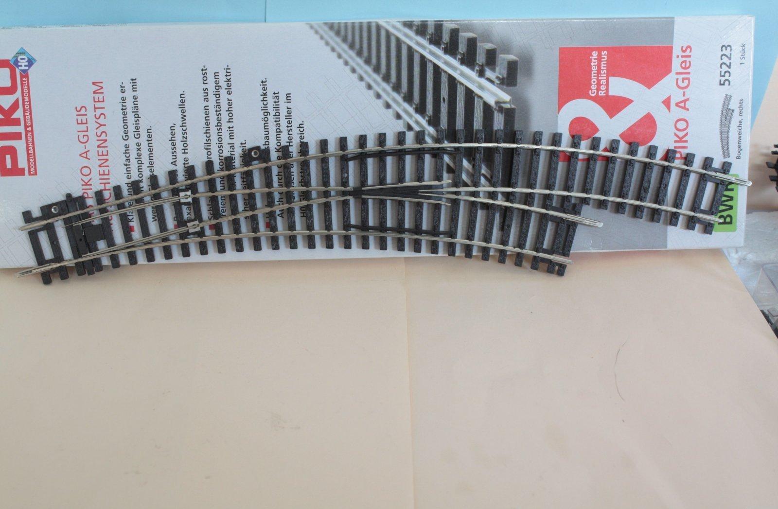 Piko 55223  A-Gleis - Bogenweiche rechts - neuwertig