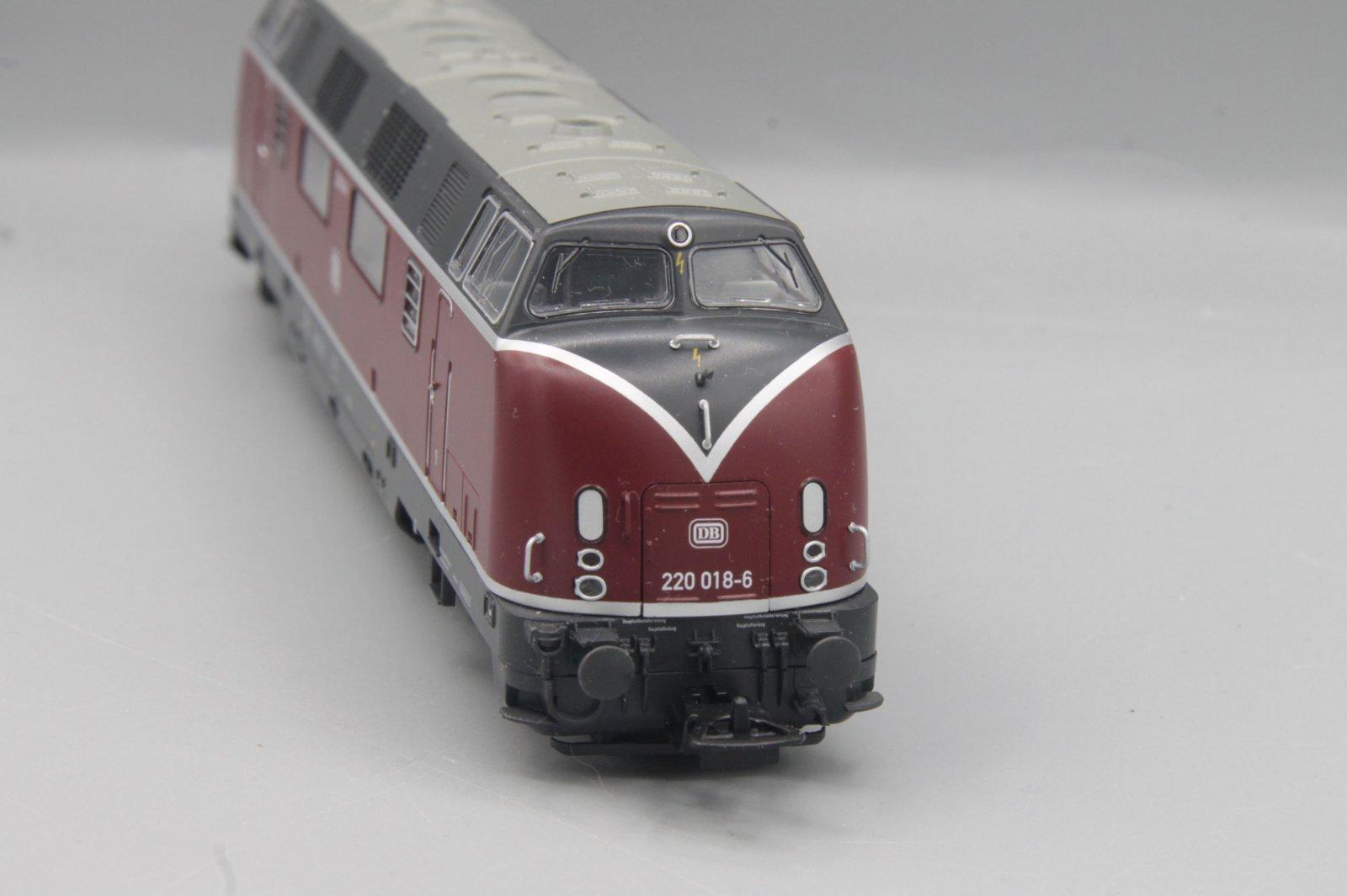 Piko Diesellok 220 018-6 Spur H0 - analog DC für Sound vorbereitet - wie 59706